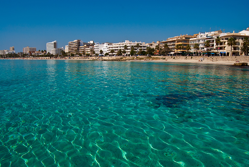 6 Turquoise water of Mediterranean Sea res