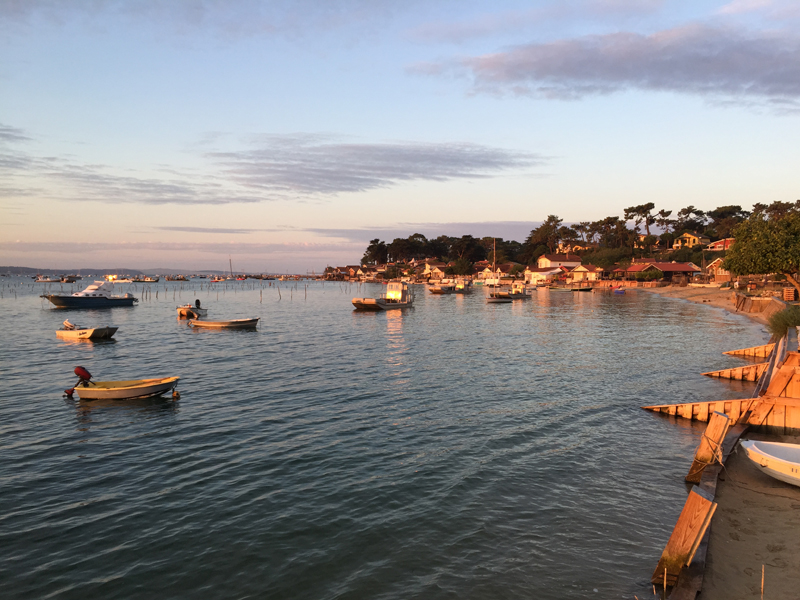 Peaceful-Early-Morning-on-Le-Canon-Oyster-Village-Cap-Ferret-Peninsula-Bassin-dArcachon-Gironde-South-West-France