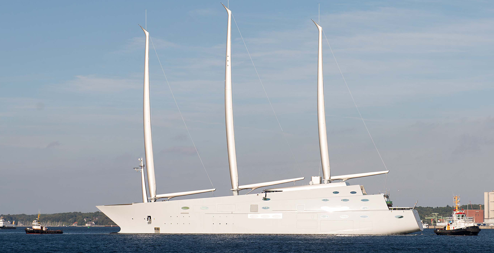 White Pearl The World S Largest Sailing Yacht
