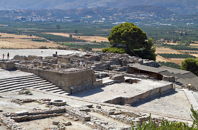 Ancient Phaestos at Crete island in Greece res