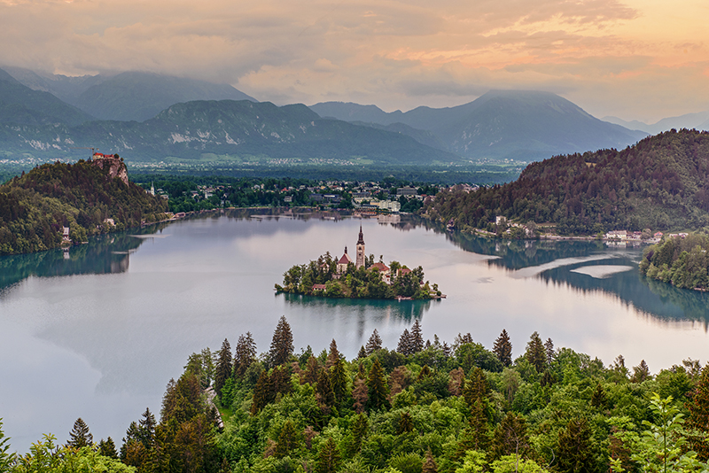 Lake Bled in Slovenia res
