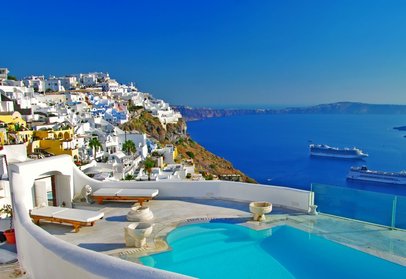 Make a marina reservation in Santorini