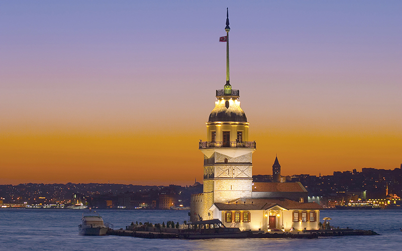Kiz Kulesi (Maiden's Tower), Salamac, Bosphorus, Istanbul, Turkey