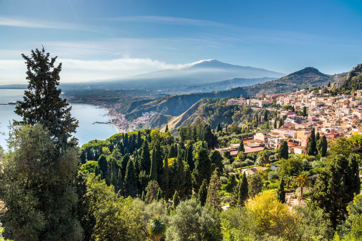 The bay of Giardini-Naxos, Taormina and the Etna viewed from the top of the Greek Theater, Taormina, Sicily, Italy - res