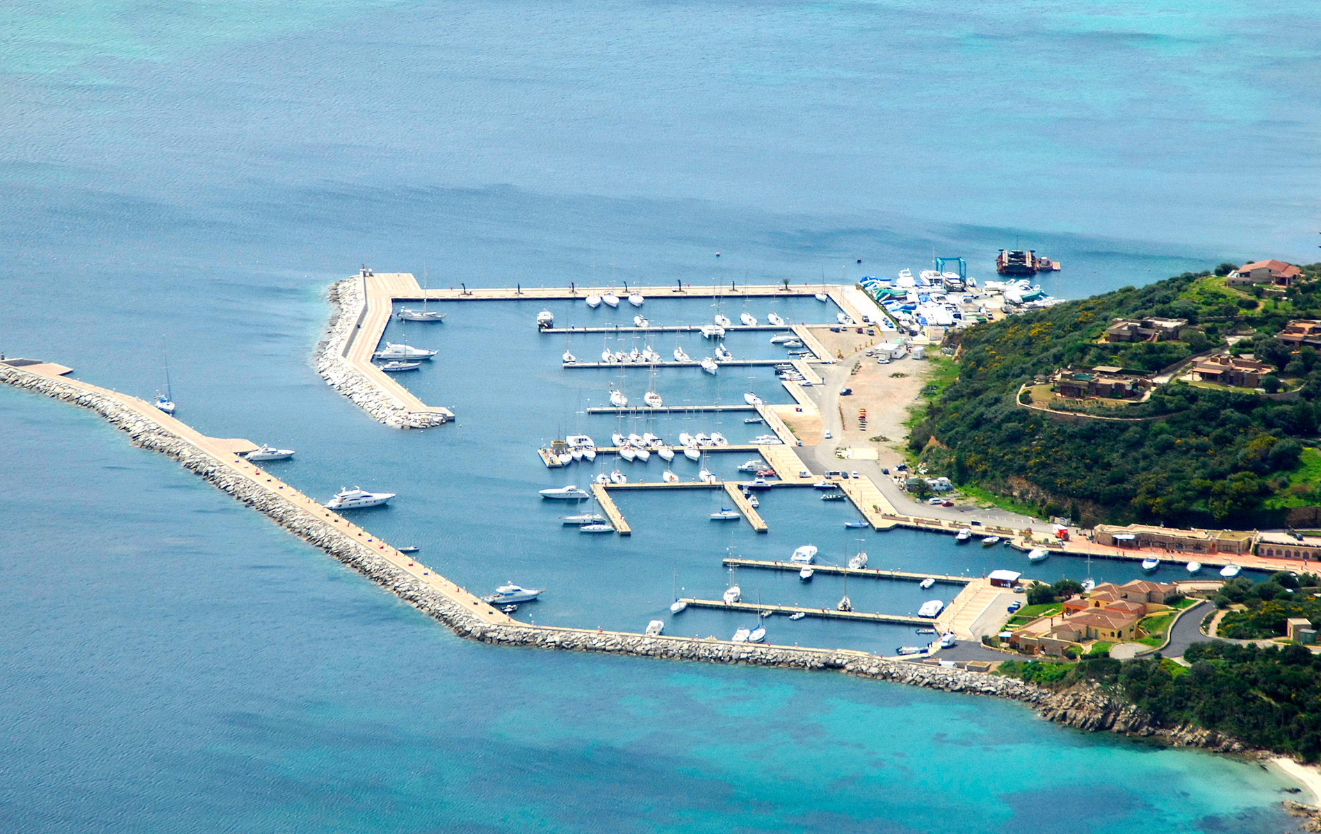 marina_di_portisco_online_booking_mooring_marina_rental_reservation