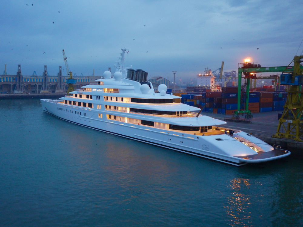 Azzam the largest and biggest yacht in the world